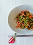 オジンオミナリムチム(イカと芹の酢コチュジャン和え)韓国料理