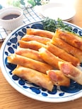 子供ウケ抜群❣️ソースも美味♡ソーセージとチーズのミニ春巻き