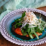 ぶりのぽん酢ソテーの春菊サラダ仕立て