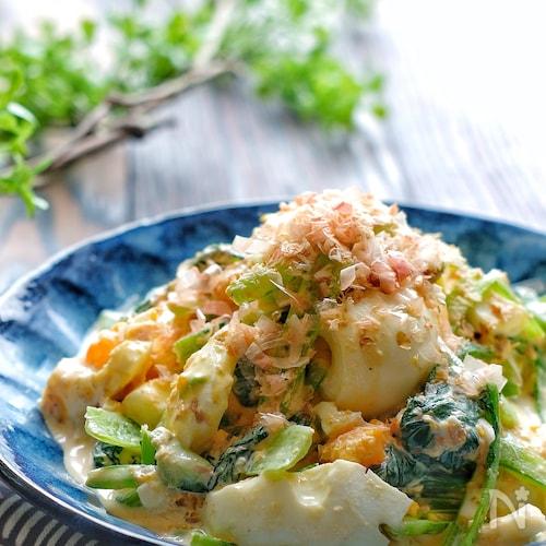 レンジで簡単!小松菜とゆで卵の和風おかかマヨサラダ