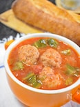 キャベツとミートボールのトマトスープ