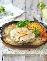 レストランの味! 白ガーリックソースのハンバーグ