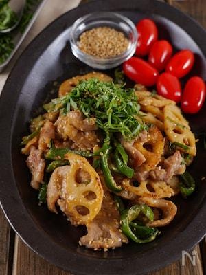 【大葉香る】豚こま肉と蓮根ピーマンのご飯ガッツリ甘味噌炒め