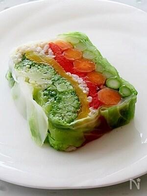 はだか麦と彩り野菜のテリーヌサラダ