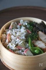 かまぼことしらすの混ぜ寿司