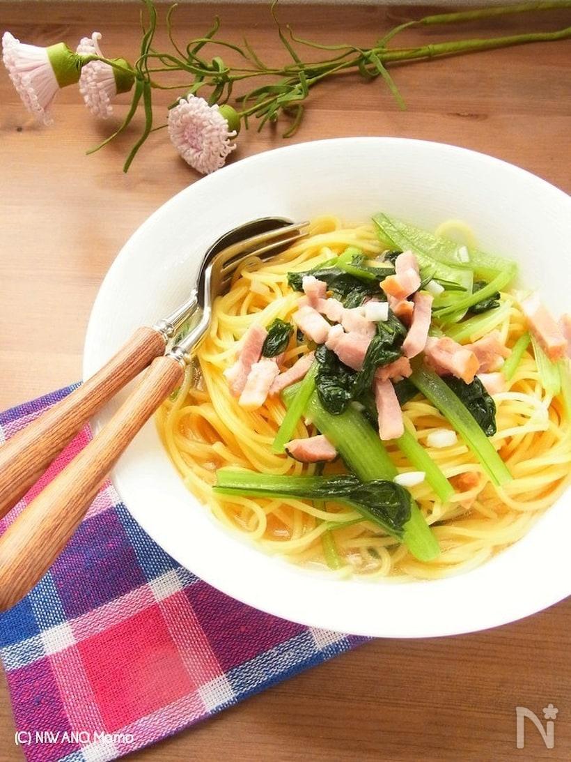 小松菜とベーコンのスープパスタ