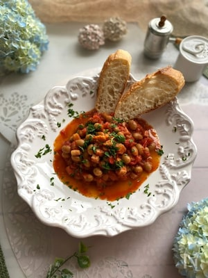 やみつきなおいしさ~大豆とベーコンのフレッシュトマト煮