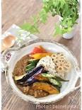 素揚げ野菜の彩りトッピングキーマカレー
