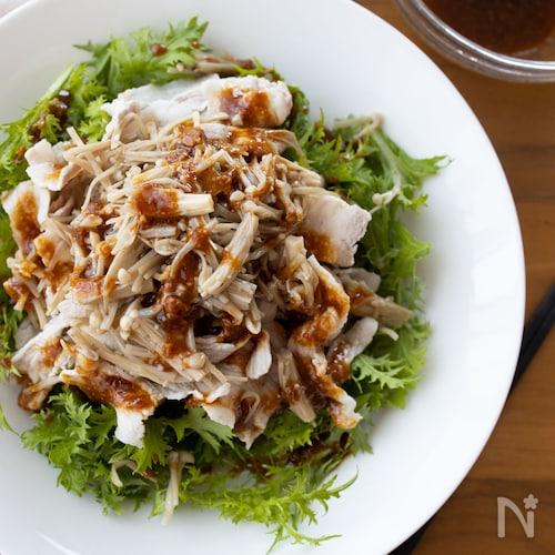 『豚しゃぶと炒めえのきのピリ辛味噌だれサラダ』#ボリューム