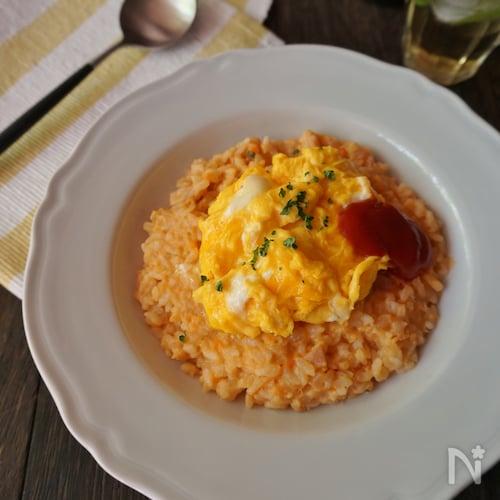 ベーコンとツナのトマトクリームドリアふわとろ卵のせ