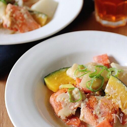 鮭と根菜の生姜豆乳煮