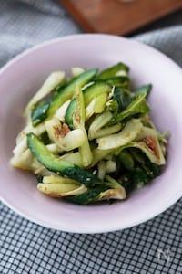 デリ風・お箸が進むきゅうりとセロリの中華風梅サラダ