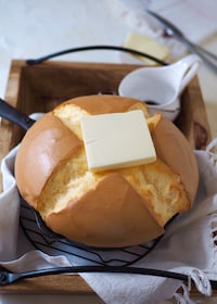 『ふっくら熱々!カステラ・パンケーキ【材料5つ・簡単】』