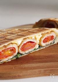 『トマトの肉巻きと卵サラダのホットサンド☆BRUNO・お弁当』