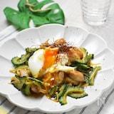 鶏とゴーヤの照り焼き炒め*とろりコクまろ半熟卵のっけ〜♪