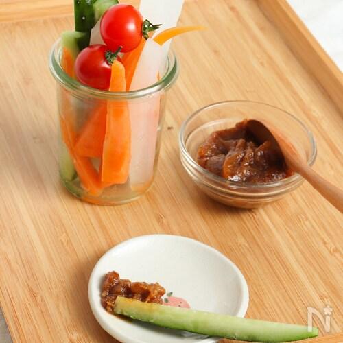 野菜がたっぷり食べられる!味噌ごまディップソース