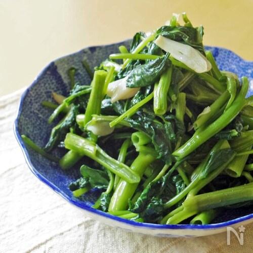 【夏の養生ごはん】空芯菜とニンニクのシンプル炒め