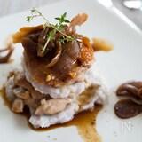 鶏肉と里芋のミルフィーユ仕立て 和風きのこソース