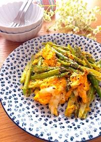 『簡単な作り方♡アスパラとふわふわ卵のマヨ粒マスタード炒め』