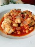 骨付き鶏肉と大豆のトマト煮込み