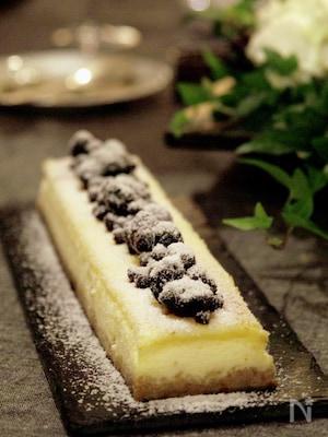 しぼり黒豆とドライブルーベリーのチーズケーキ