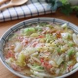 優しい味で身体も温まる♡白菜とカニカマのふわとろ煮