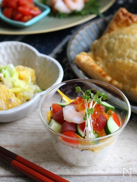 自分で作って美味しく楽しい♪カップでセルフちらし寿司