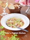 キャベツ大豆ウィンナーのコンソメスープ