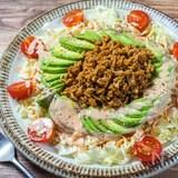 カレー粉で簡単『キャベツとアボカドのタコス風サラダ』