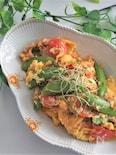 スナップエンドウとトマトのふわふわ卵ツナ炒め
