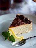 混ぜるだけ焼くだけのお酒にも合う「バスクチーズケーキ」