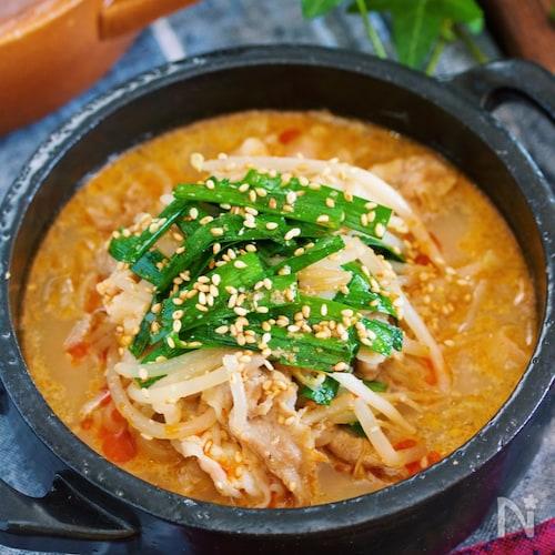 豚バラもやしの坦々風♡ごま味噌スープ煮【#包丁いらず】
