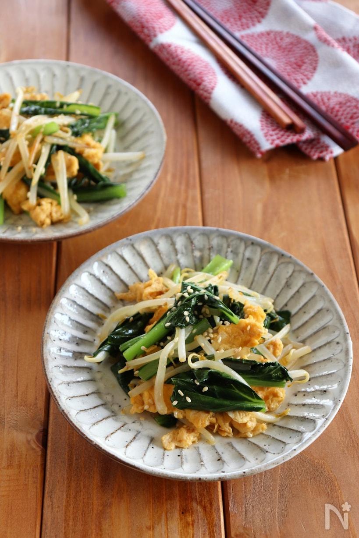 小松菜ともやしと卵の醤油炒め