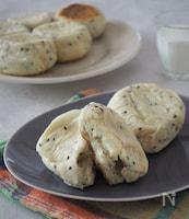 フライパンで焼く黒ごまチーズパン