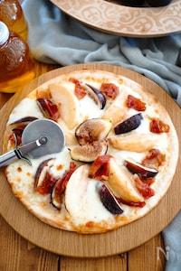 最高の組み合わせ♪桃といちじくとモッツァレラの至福PIZZA