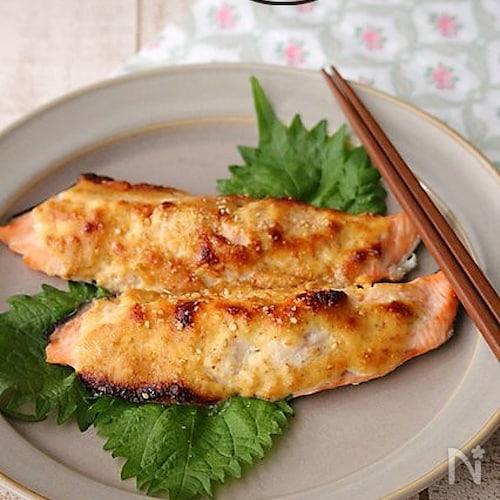 鮭の味噌ごまマヨ焼き♪