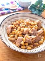 絶品♡スプーンで食べるコロコロチキンと大豆の中華炒め