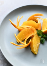 『【簡単で可愛いフルーツカット】オレンジ羽飾り』