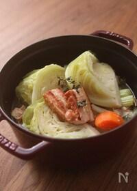 『ゴロゴロ野菜と厚切りベーコンのポトフ』
