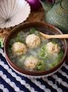 鶏団子と白菜のさっぱり春雨スープ