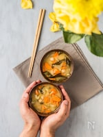 にんじんとセロリとひよこ豆のお味噌汁