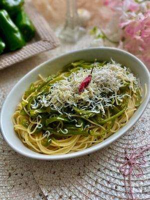くたぁ〜と炒めたピーマンとしらすのペペロンチーノスパゲッティ