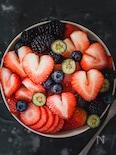 苺とブルーベリーとすいかのフルーツボウル
