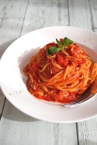 《レンジで完成☆包丁いらず》トマトとツナの速うまパスタ