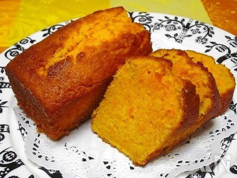しっとり焼きあがったキャロットケーキ