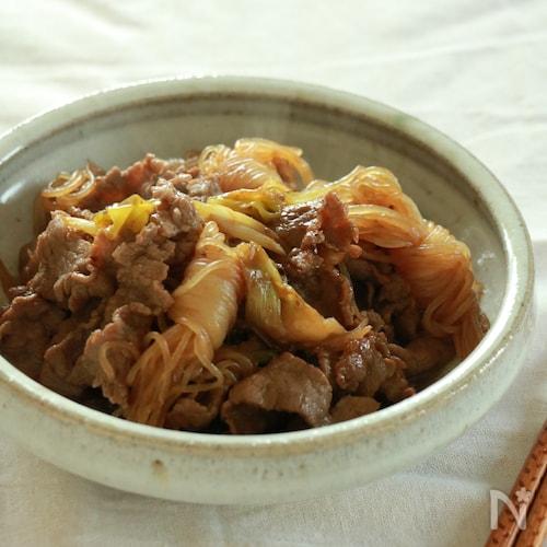 牛肉と結びこんにゃくのすき焼き