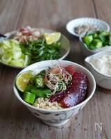 \山かけマグロの漬け丼/薬味たっぷり、麺つゆですぐできる!