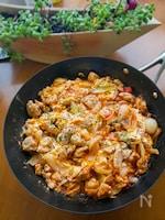 トマトとコンソメで作る「イタリアン親子丼」