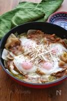 白菜と豚バラの無水蒸し煮の落とし卵鍋