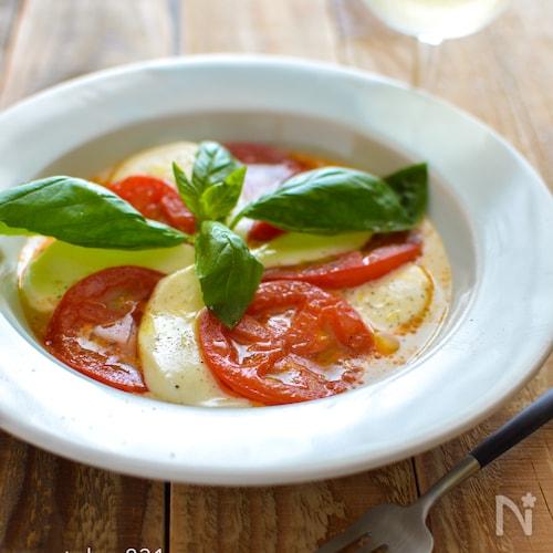 焼きトマトのカプレーゼ風。パーティー、おもてなしの前菜に。